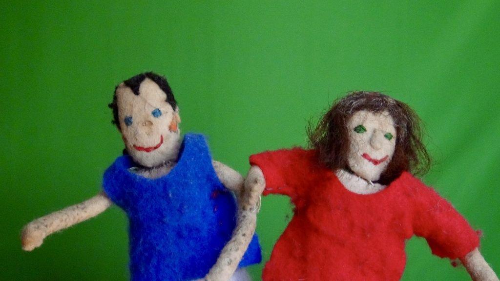 Finger-puppets of John Harrop and Chris Gesthuysen