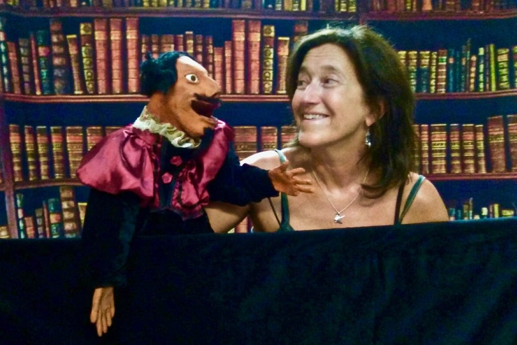 Chris Gesthuysen in conversation with puppet Cervantes