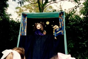 Early Bat-i-Burrillo puppet show