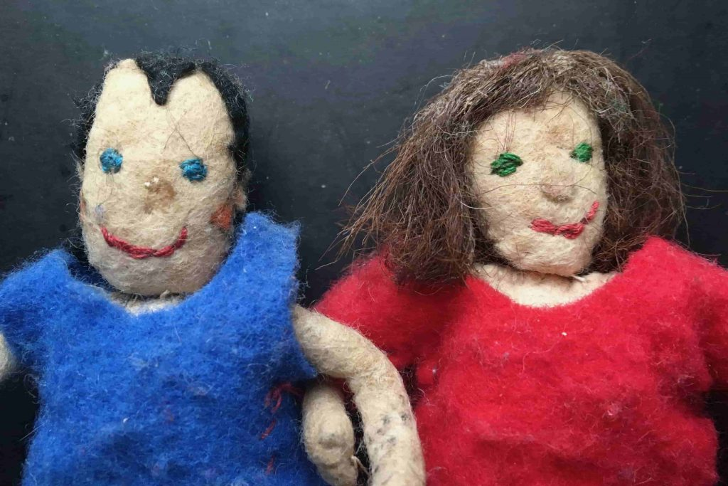 Finger-puppets of John Harrop and Chris Gesthuysen