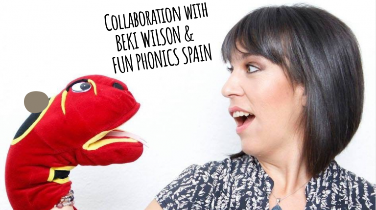 Beki Wilson from Fun Phonics Spain with a snake puppet